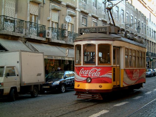 Portugal - Tram in Lisabon